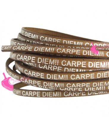 Cordoncino Pelle 5 mm con scritta Carpe Diem Marrone