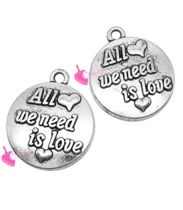 "Ciondolo Medaglia ""All we need is Love"" 18x16 mm color Argento Antico"