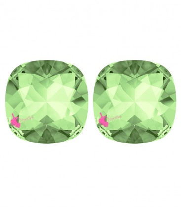 SWAROVSKI® 4470 10 mm Chrysolite