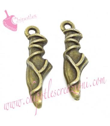 Ciondolo Scarpette Punte Ballerina 23x6,5 mm colore Bronzo Antico