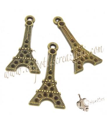 Ciondolo Torre Eiffel 29x14 mm colore Bronzo Antico