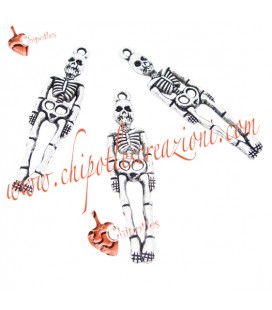 Ciondolo Scheletro Halloween 39x9 mm colore Argento Antico